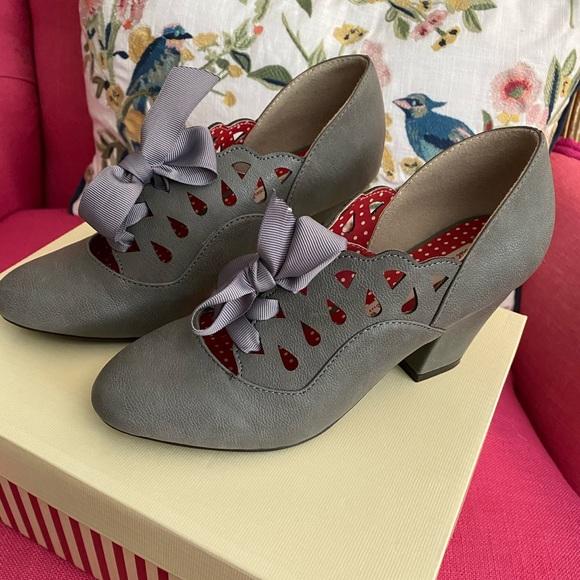"""""""Hermosa"""" slate grey Bait footwear shoes size 6"""